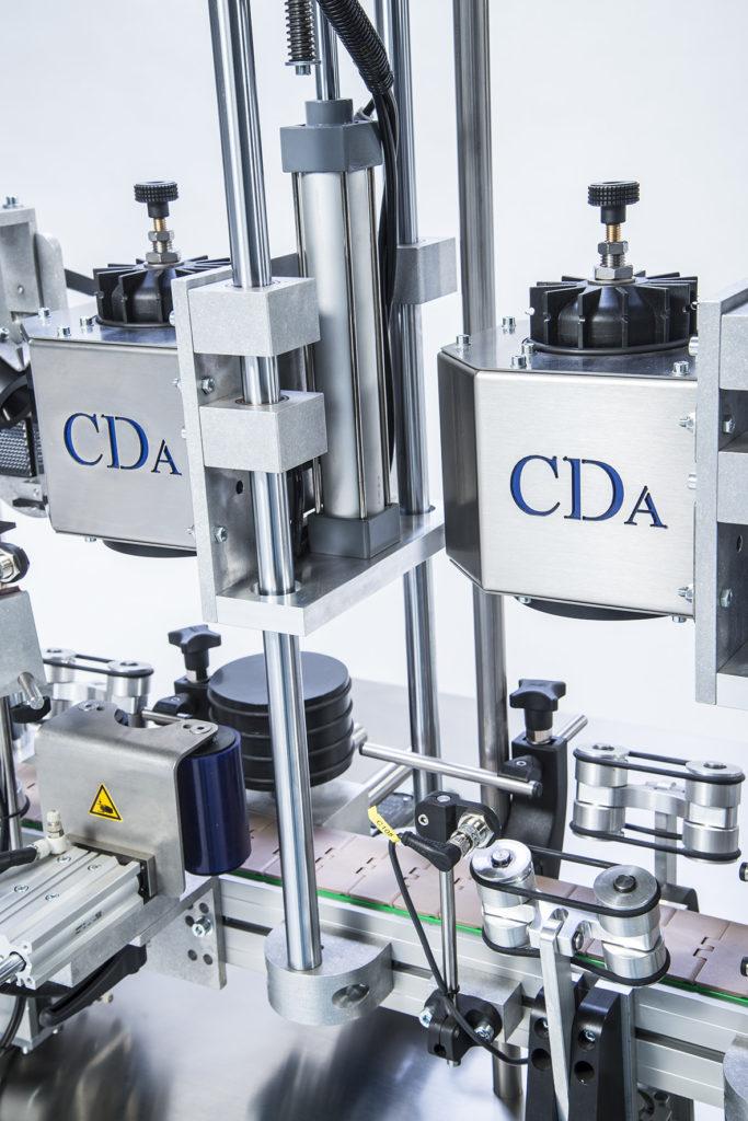 gamme R1000 1500 mixte etiqueteuse automatique bouteille vin CDA