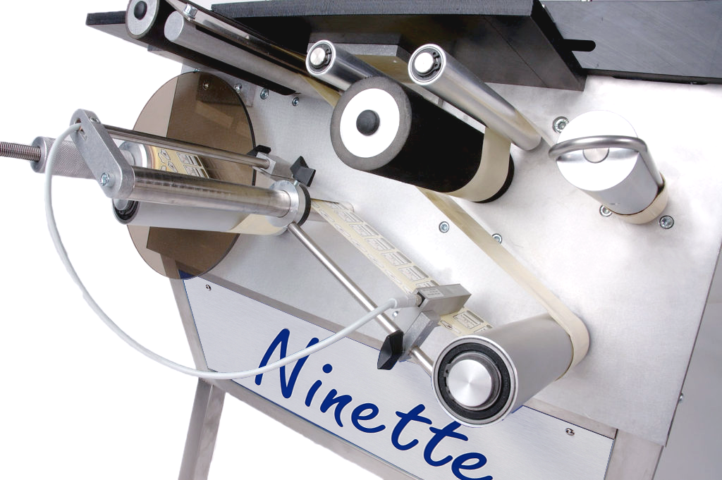 Ninette Flat Products, CDA's semi-automatic labeling machine for all industries