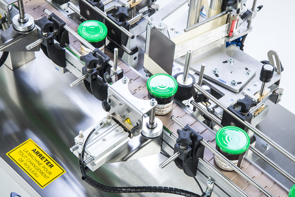 Ninon Tapered, CDA's automatic labeling machine for cosmetic products
