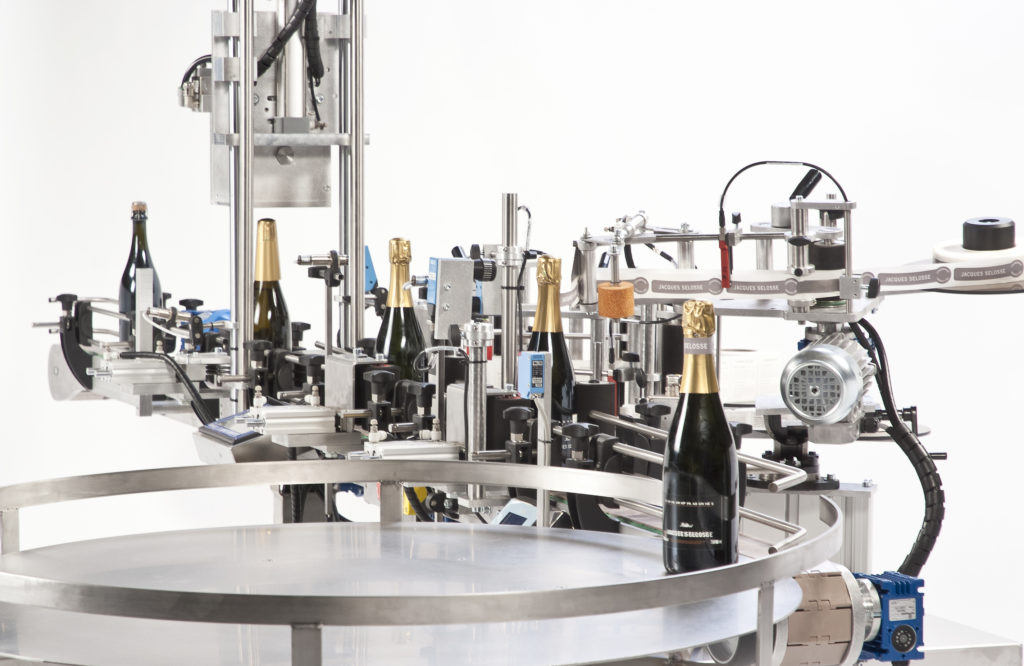 R1000 Foils, CDA's automatic labeling machine for champagne