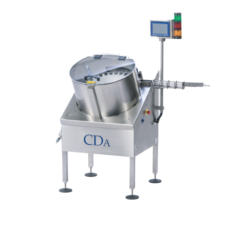 Automatic feeder for small bottles