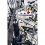 etiquetadora lineal adhesiva para botellas cilíndricas léa cda usa