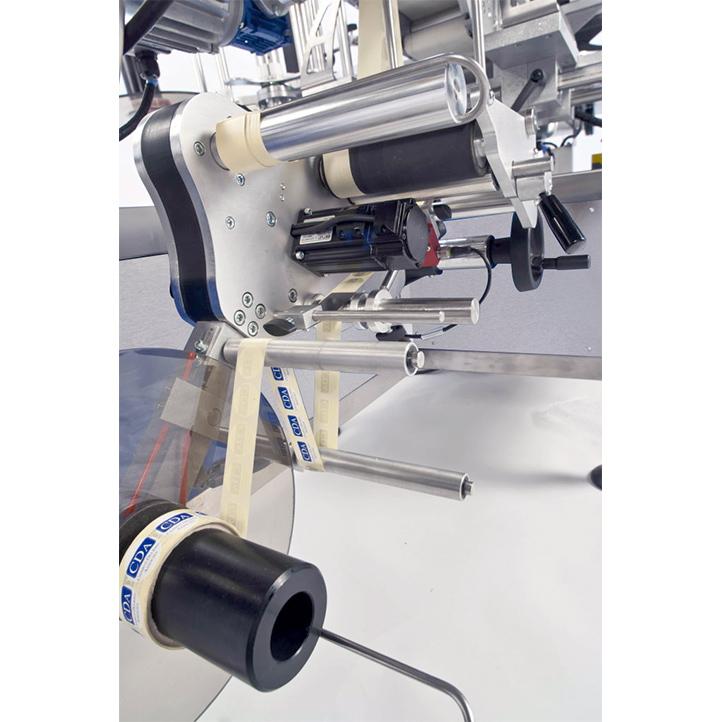 máquina etiquetadora automática para etiquetar debajo de los productos de ninon down cda usa